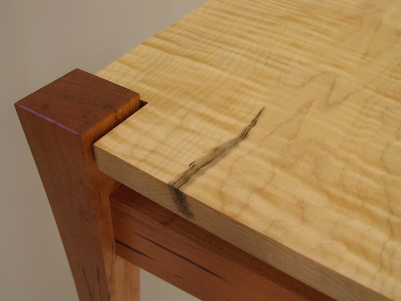 Curly Maple Table1